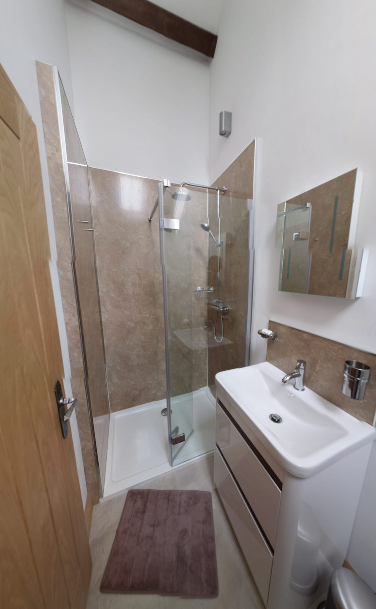 Pembrokeshire Holidays Rhostwarch bathroom suite.jpg
